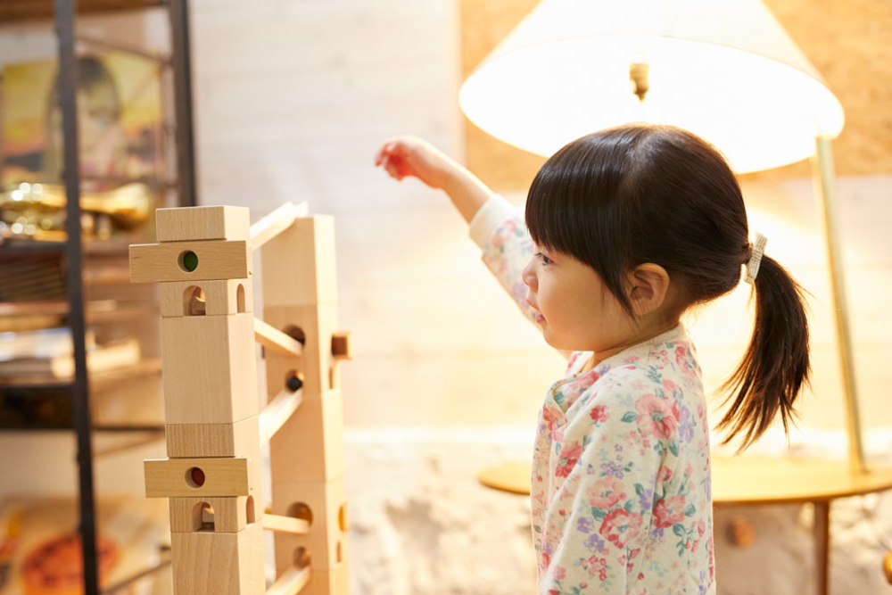 「知育玩具」とは何なのか?ENGAGING TOYSチームリーダー・南が考えてみました。
